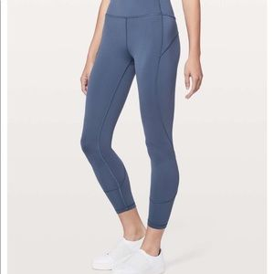 Lululemon In Movement 7/8 Tight 25''- size 4